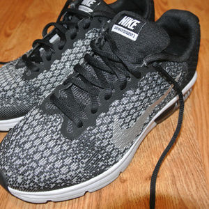 5.5Y Air Max Sequent 2 Youth EUC Nike Silver Grey